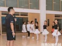 绵阳博远艺术幼儿师范职业学校2020年招生办联系电话