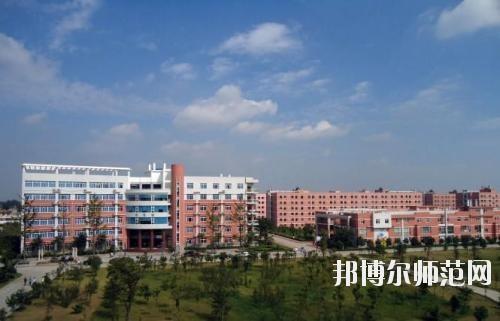 四川航天技师师范学院地址在哪里