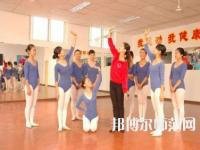 广西2020年女生在幼师学校学什么好