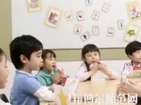 郑州2020年男生读幼师学校有前途吗
